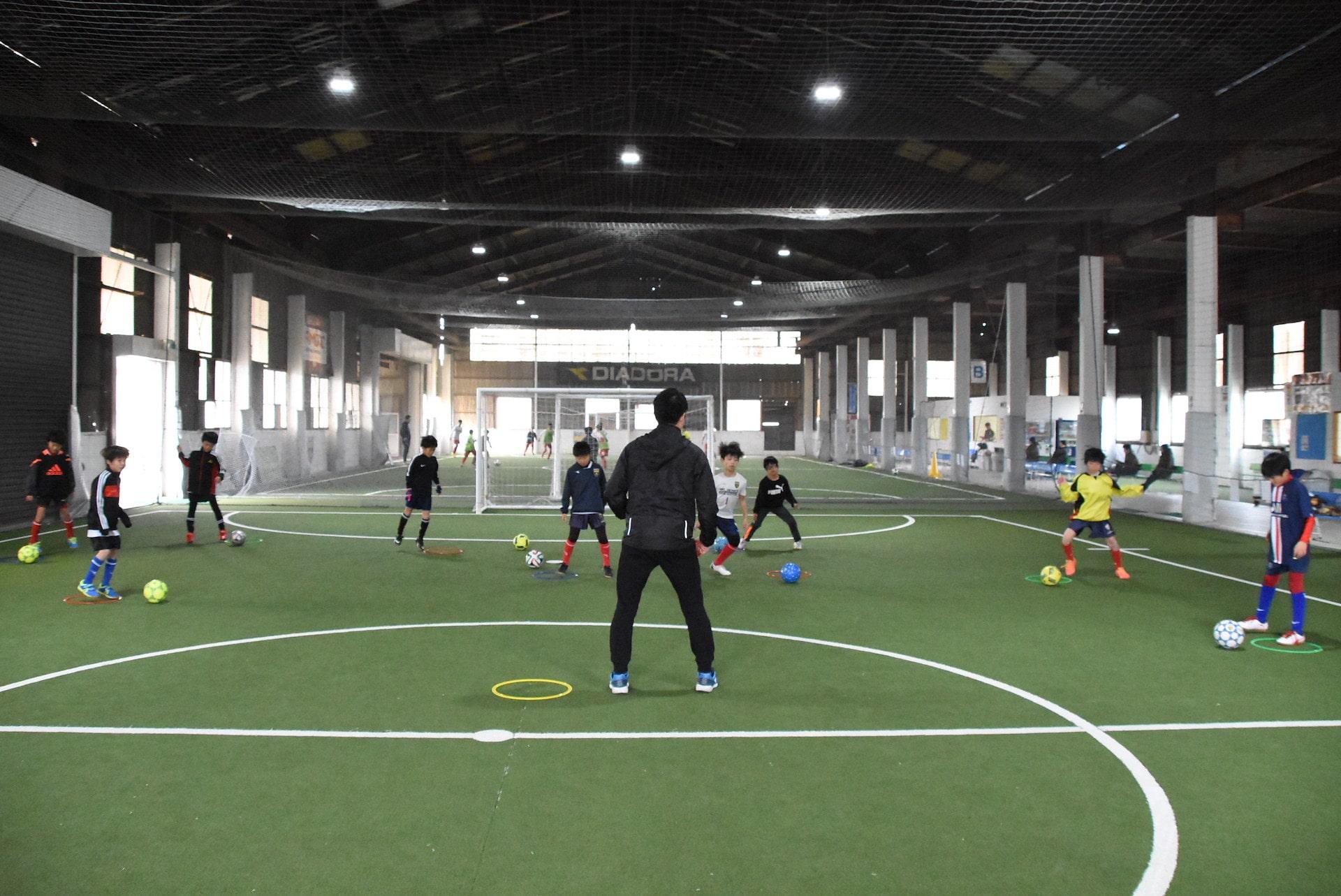 小さな体で大きな選手に勝つ『フットボーラーに特化したトレーニング塾』