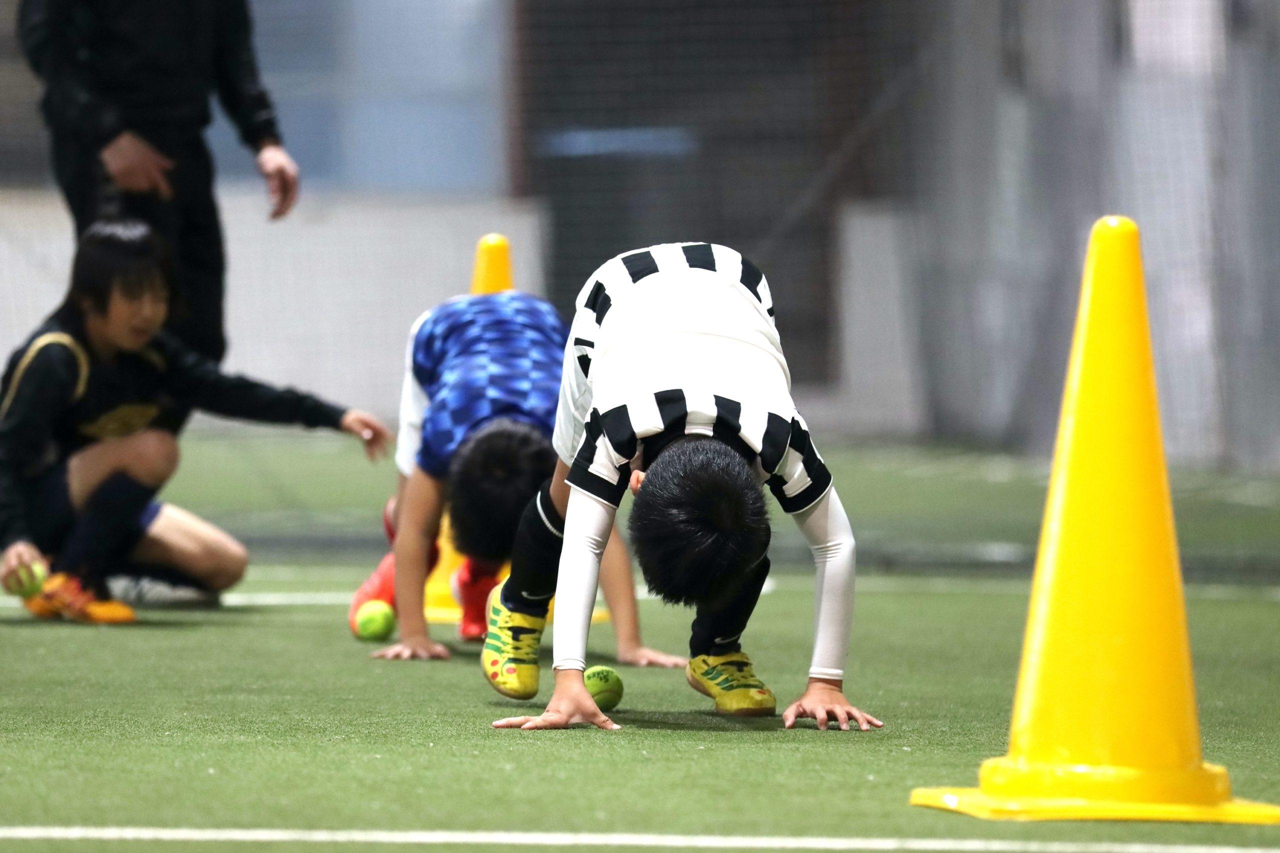 サッカーに必要な体幹の機能を高めます!